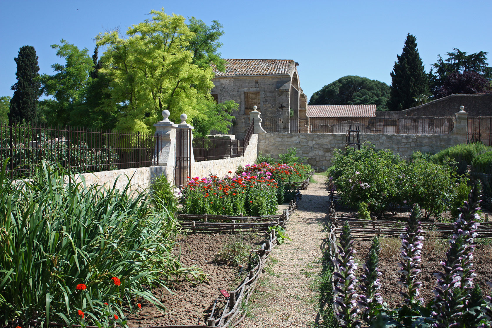 B ziers ch teau rieutort for Jardin d amour wine