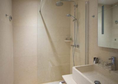 chambre-suite-hotes-languedoc-cinsault-sdb