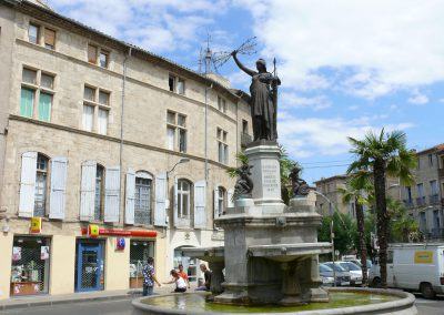 pezenas_-_statue_de_marianne_place_de_la_republique_-265