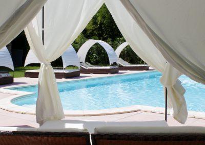 Profitez des 2 piscines dont une dédiée au naturisme