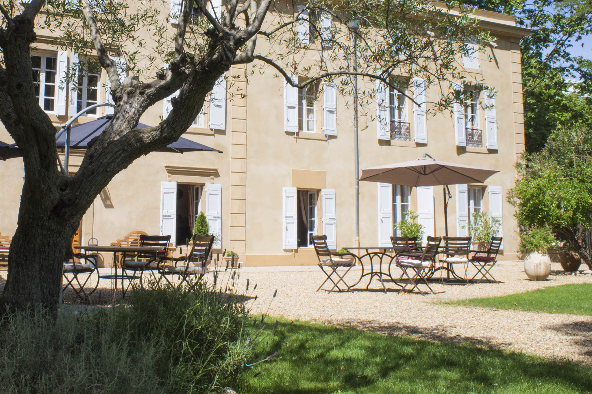 Terrasse Du Chateau Cartier Love Online